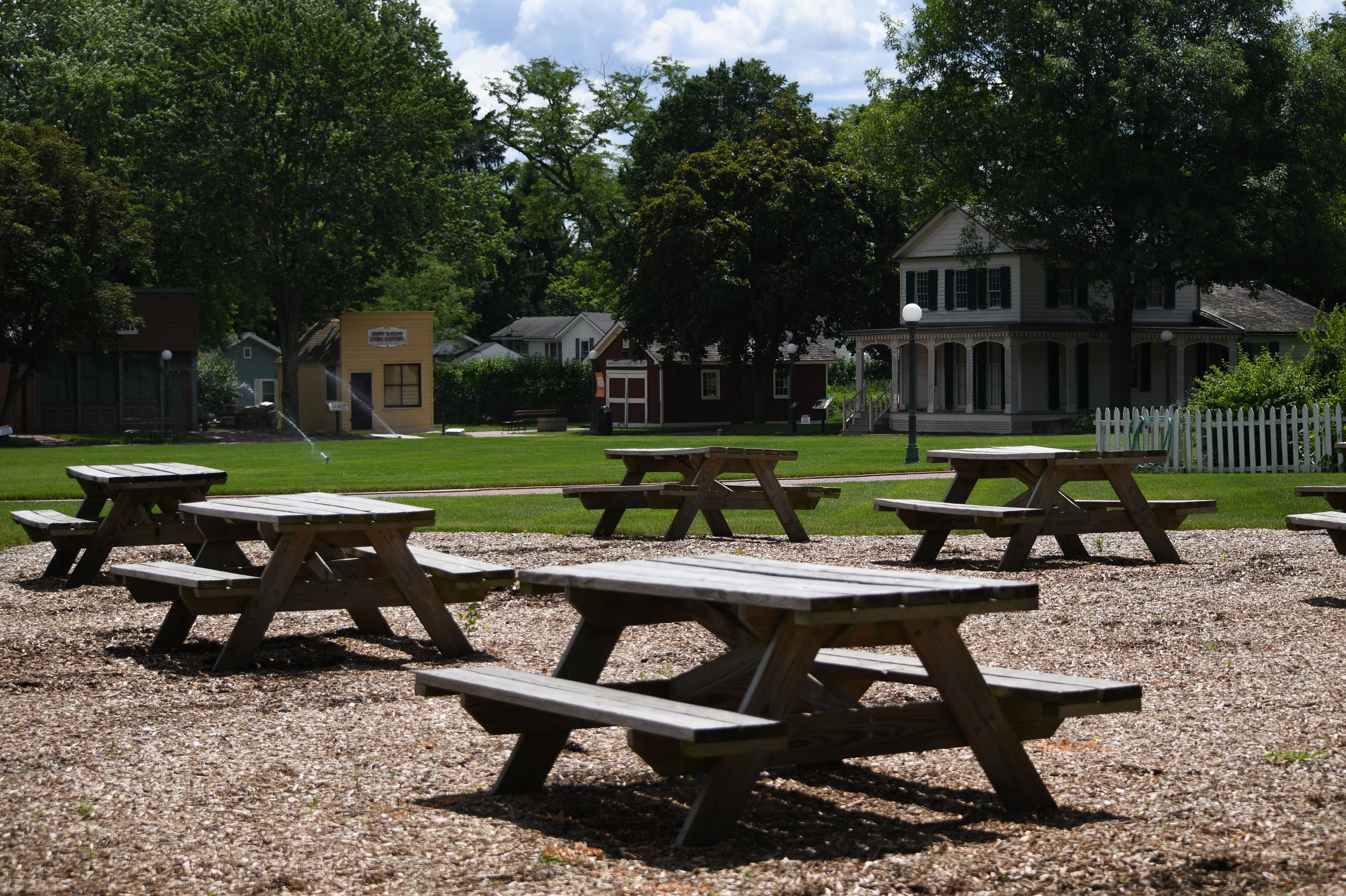 Picnic Tables (1)
