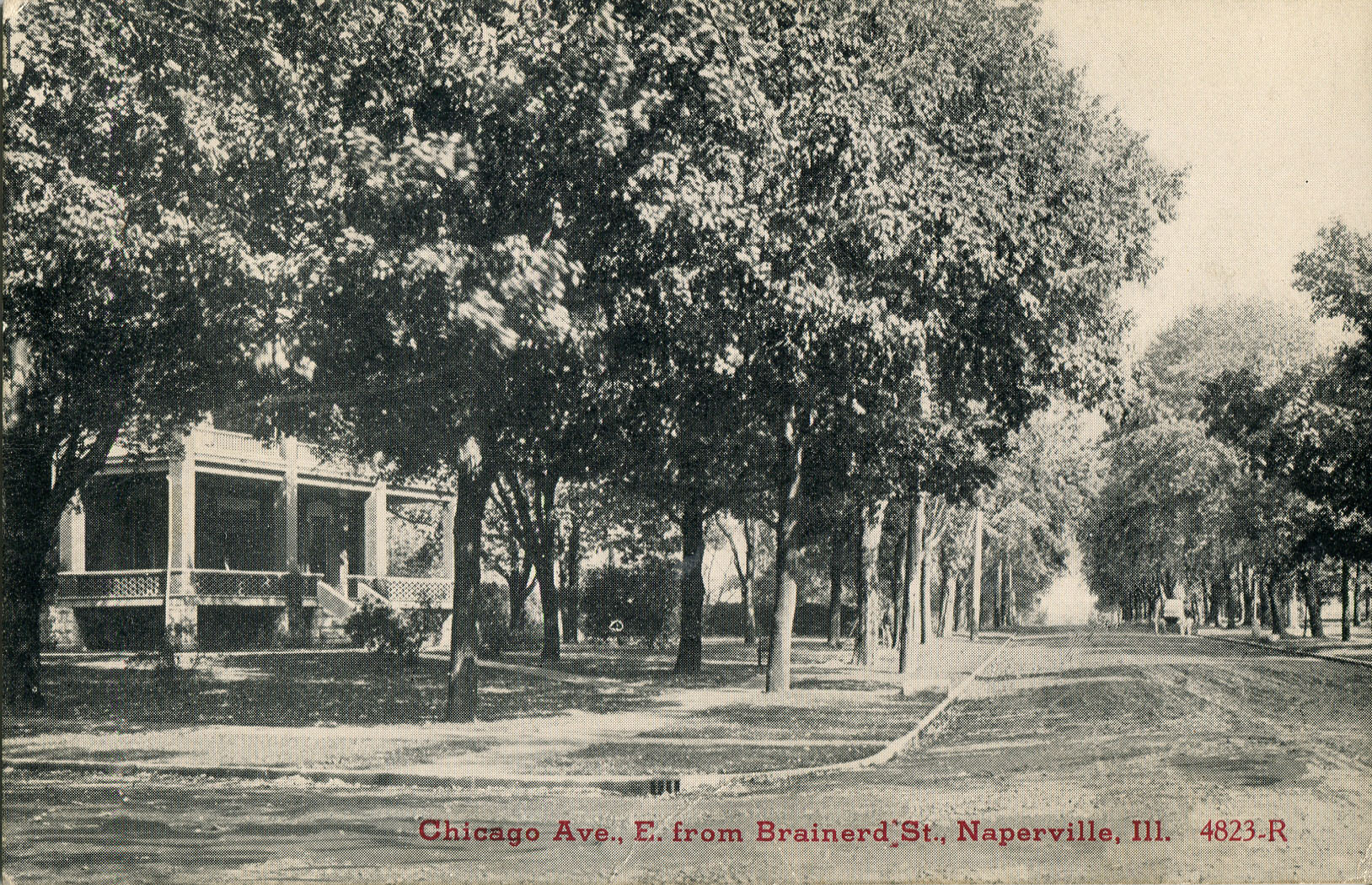 Postcard view of Chicago Avenue